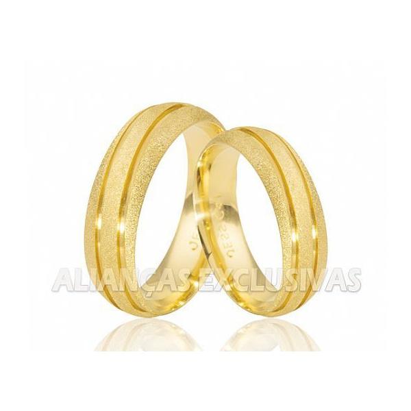 Aliança Diamantada e com Friso em Ouro 18k