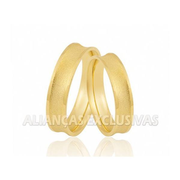 Alianças de Casamento Côncavas e Diamantadas