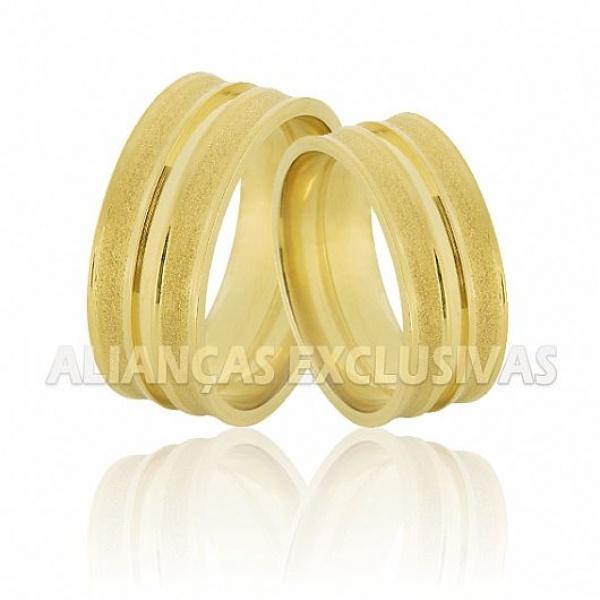 Alianças de Noivado e Casamento em Ouro 18K Anatômicas e Diamantadas