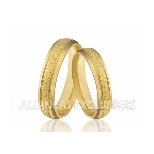 Alianças Diamantadas com Laterais Polidas em Ouro 18k