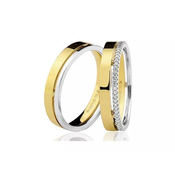 Aliança Lisa em Ouro 18k Anatômica com Detalhe em Ouro Branco e Diamantes em todo Aro