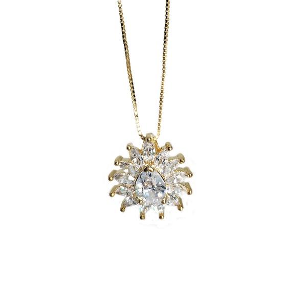 Pingente Flor Banho de Ouro 18k Zirconia Incolor com corrente Veneziana