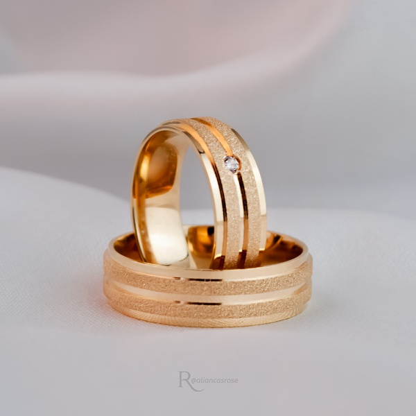 Aliança de Ouro 18K 6mm 7 Gramas Reta Modelo Athenas