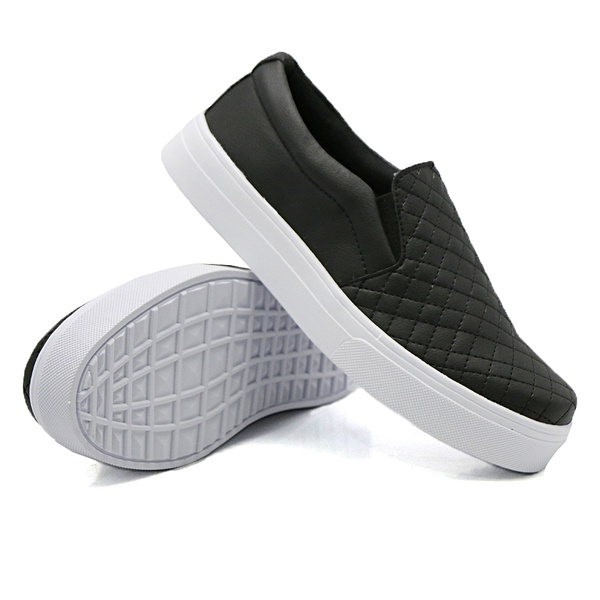 Slip On Matelassê Preto DKShoes
