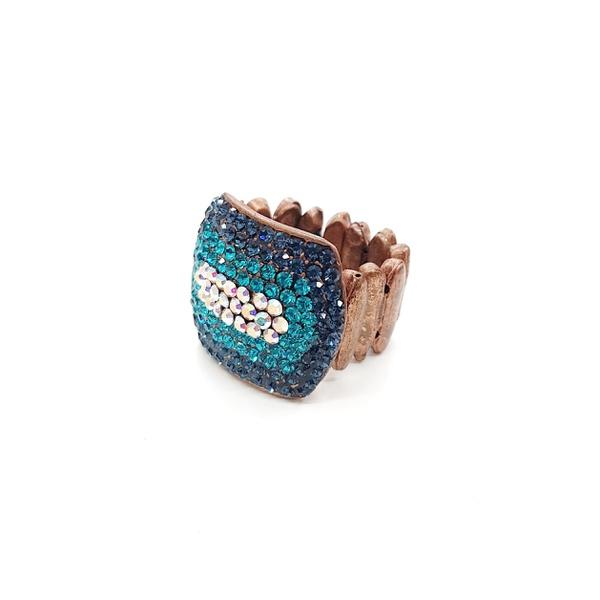 Anel com pedras azuis e furta cor