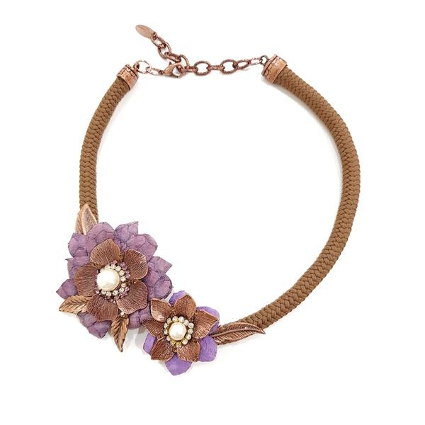 Maxi colar com flor e tecido 13420