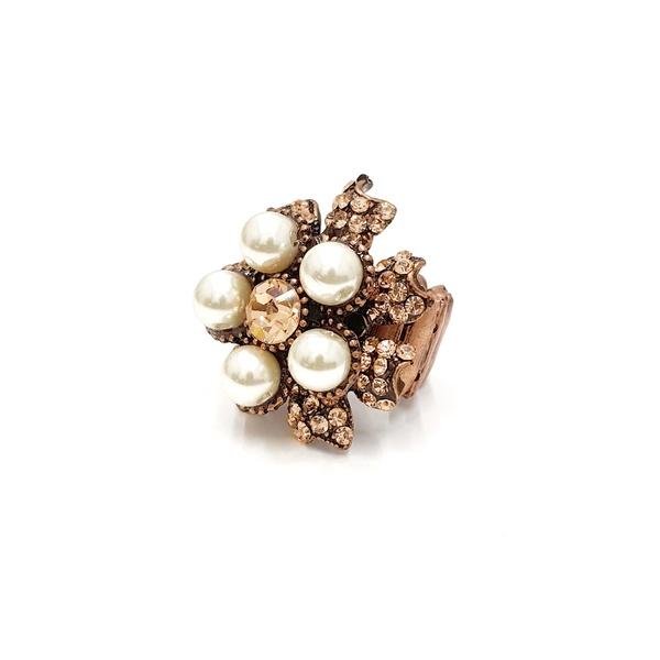 Anel flor de pérolas com strass 13649