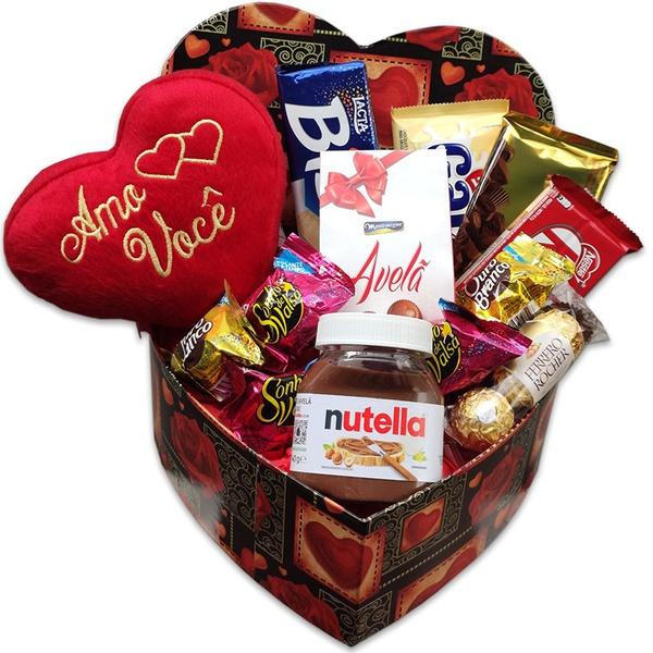 Caixa coração com chocolates e pelúcia amo você