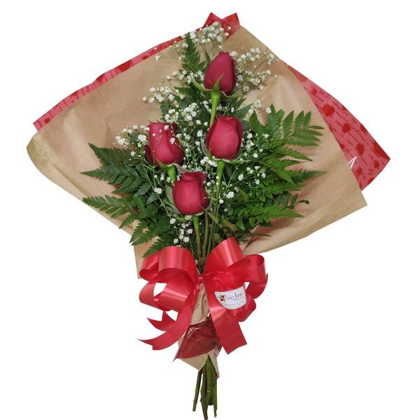 Ramalhete Carinho Especial com 4 rosas vermelhas