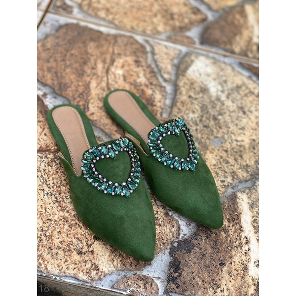 Mulle Bico Fino Verde com Coração em Strass