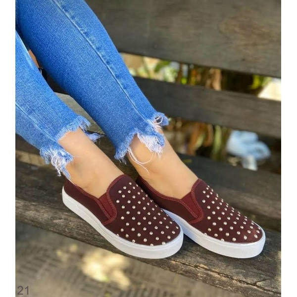 Slip On Marsala com Tachinhas