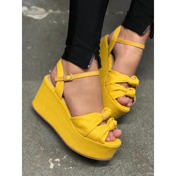 Anabela no Amarelo Linhão