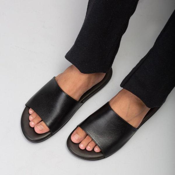 Sandália em Couro New Floater Preto Savelli