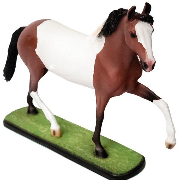 Escultura Miniatura de Cavalo Mangalarga Pampa