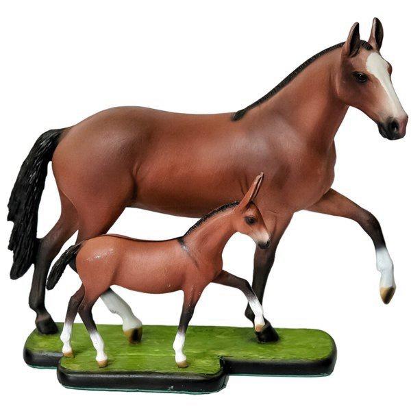 Escultura Miniatura de Égua com Potrinho Mangalarga