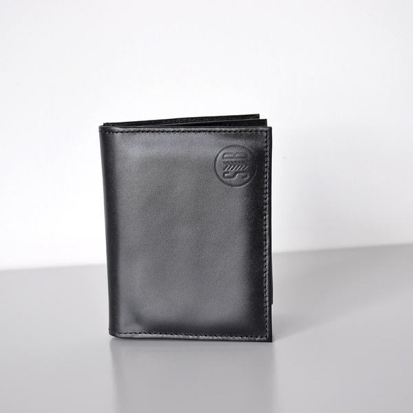 Carteira Couro Liso Preta com Porta Cartão