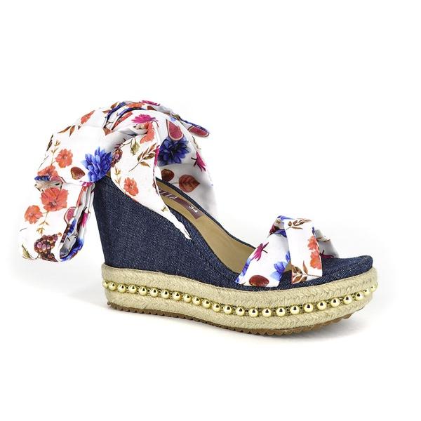 Sandália Anabela Jeans e Floral