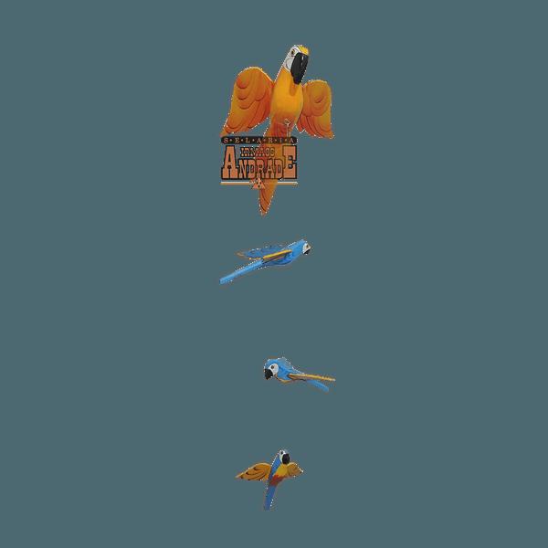 Pássaros em Madeira Arara Azul