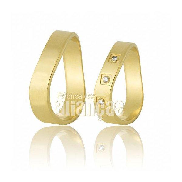 Alianças de Noivado e Casamento em Ouro Amarelo 18k 0,750 FA-569-Z