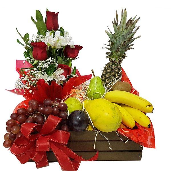 Frutas e Rosas Vermelhas