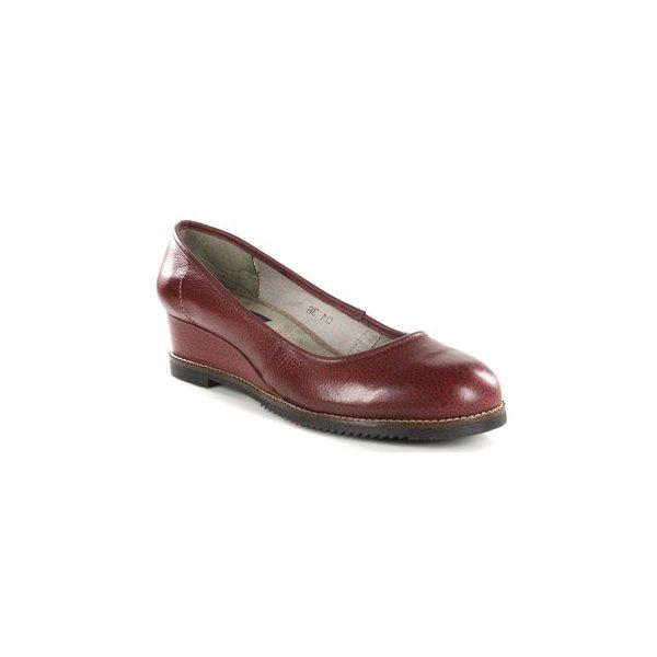 Sapato em Couro Anabela Susan Baixo Vermelho J.Gean DC0001-02
