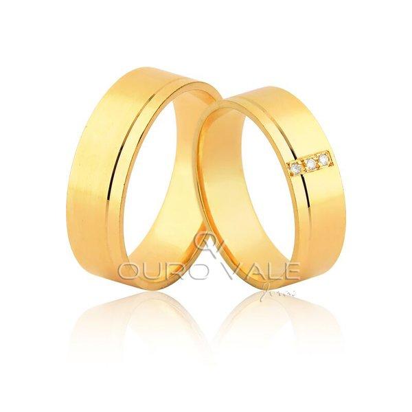 Aliança com Diamantes Exclusiva em Ouro 18k