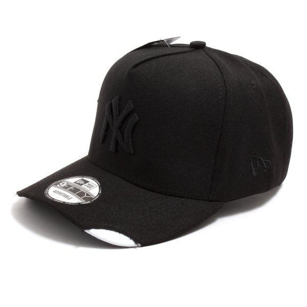 BONE NEW ERA PRETO RASGADO