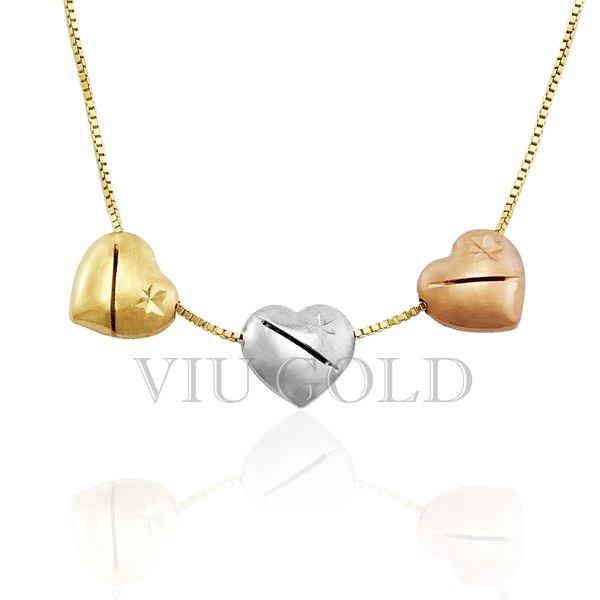 Gargantilha com três corações em ouro 18k amarelo, branco e rose