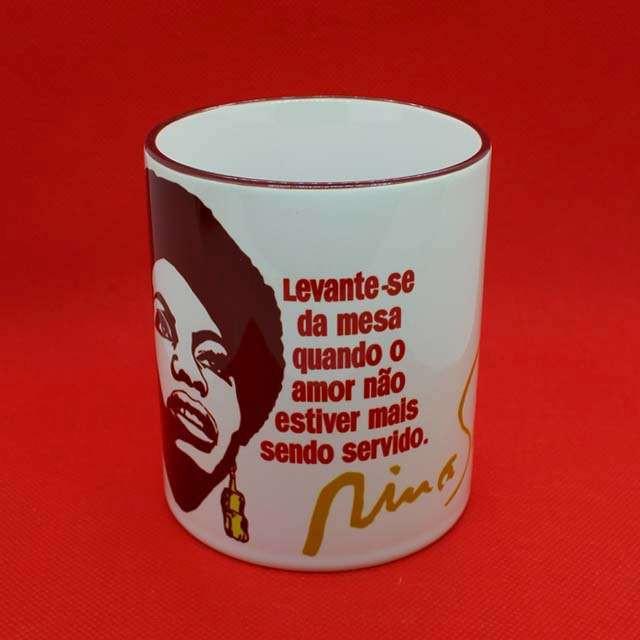 Caneca Nina Simone Color Bordô