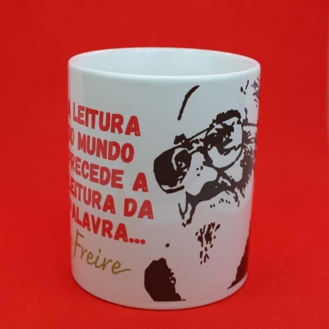 Caneca Paulo Freire Leitura