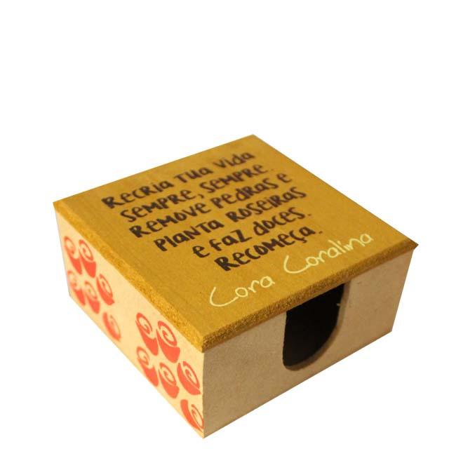 Porta-recados Cora Coralina