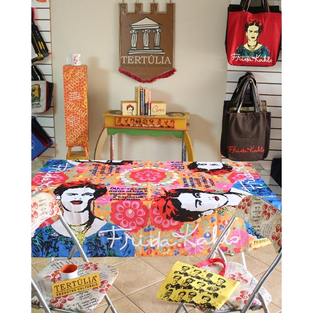 Toalha de Mesa Digital Frida Kahlo Vermelha
