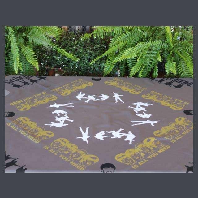 Toalha de Mesa Beatles Cinza