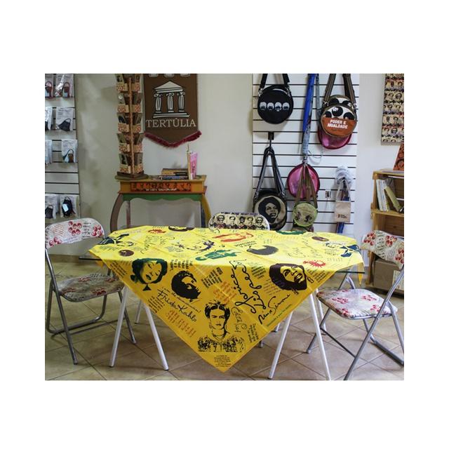 Toalha de Mesa Mulheres Amarela