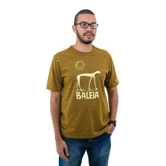Camiseta Graciliano Ramos Baleia Mescla Mostarda