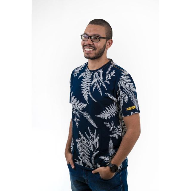 Camiseta Poesia Floral Marinho