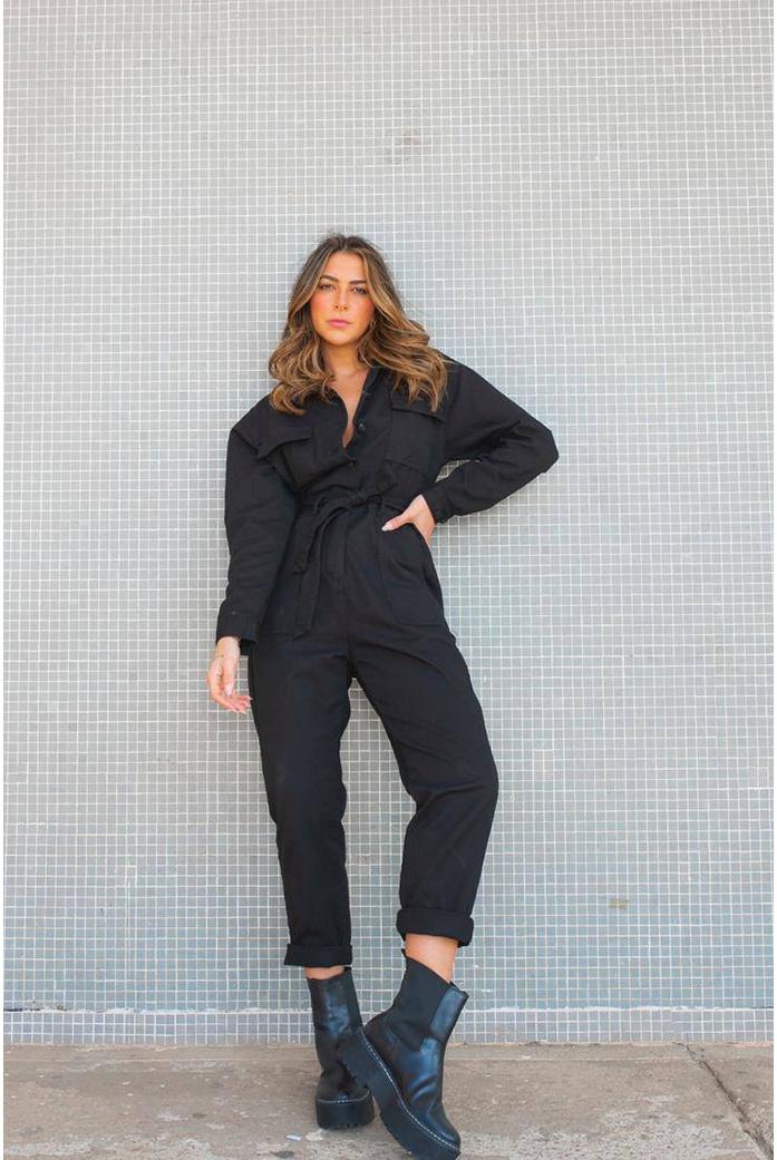 Macacão utilitario preta Alcance jeans - DBoneca