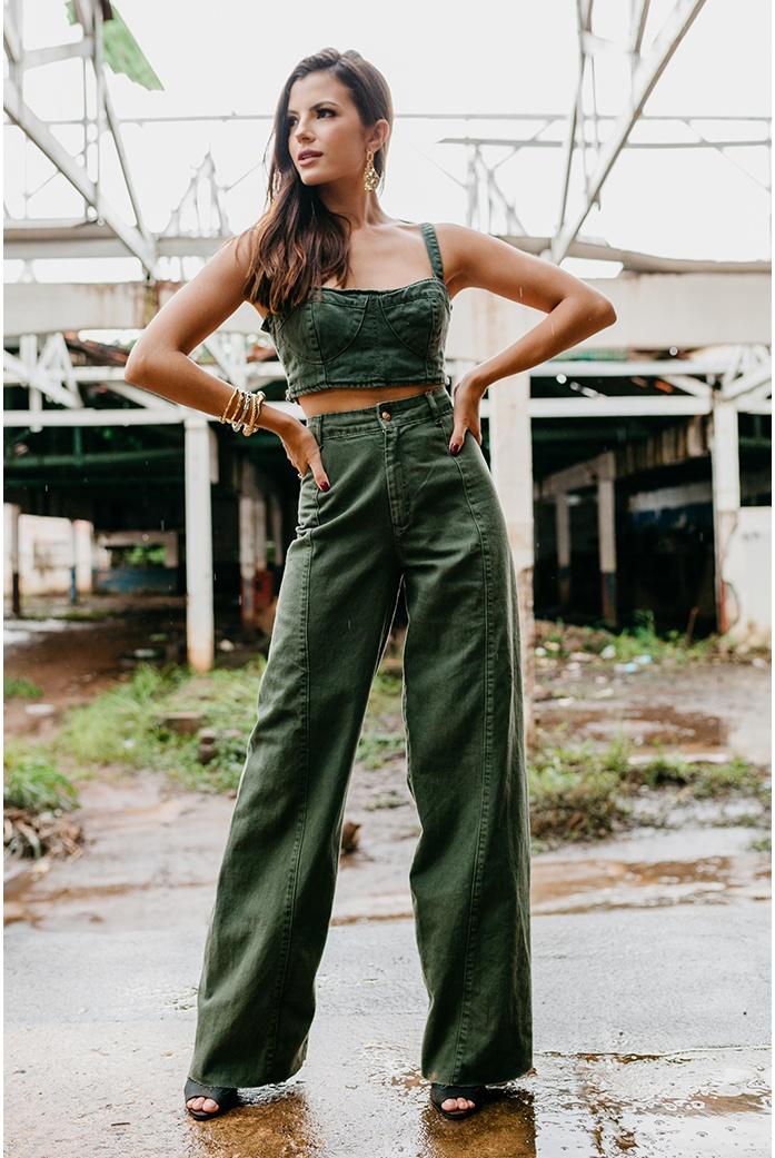 Calça pantalona alcance jeans verde militar - DBoneca