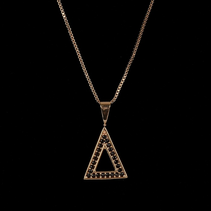 Colar Triângulo Cravejado Preto Banho Ouro