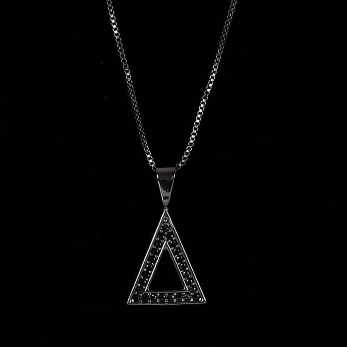Colar Triângulo Cravejado Preto Banho Ródio Negro