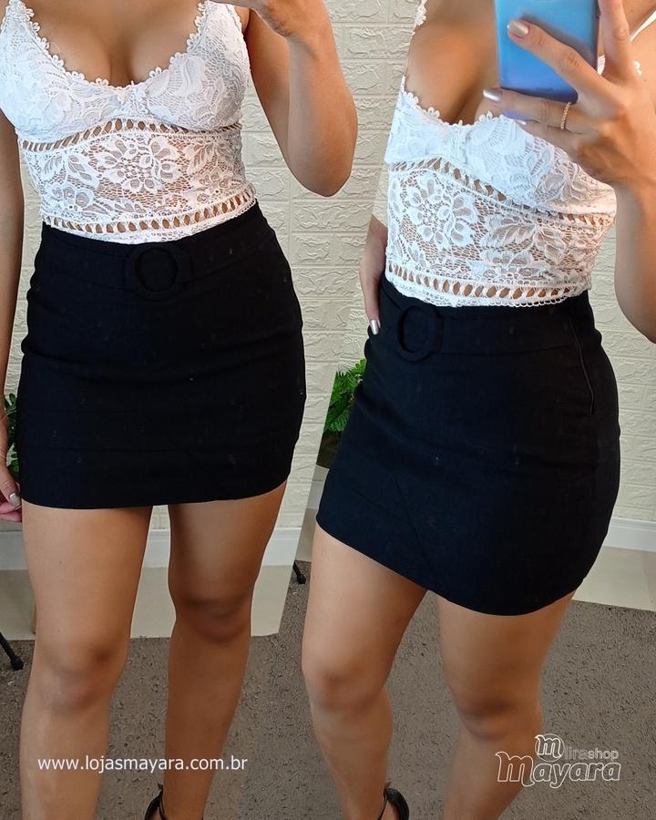 Shorts Saia Com Cinto Detalhe Na Lateral Preta