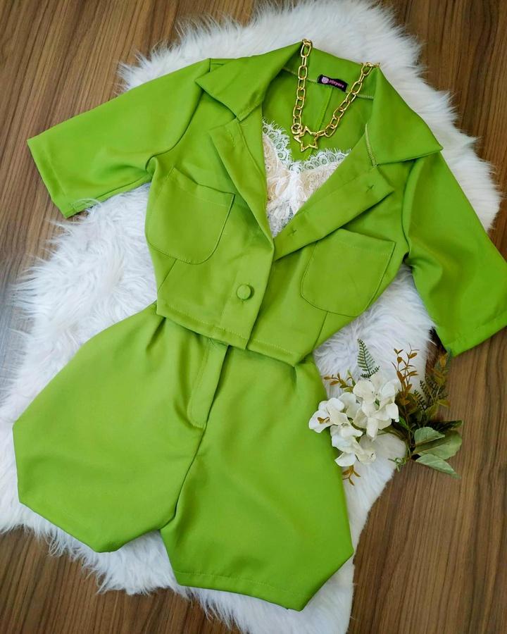 Conjunto Alfaiataria Camisa e Shorts Verde