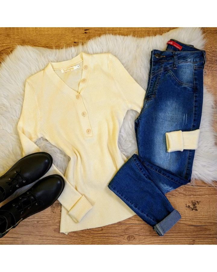 Blusa Tricot Com Botões Na Gola - Creme