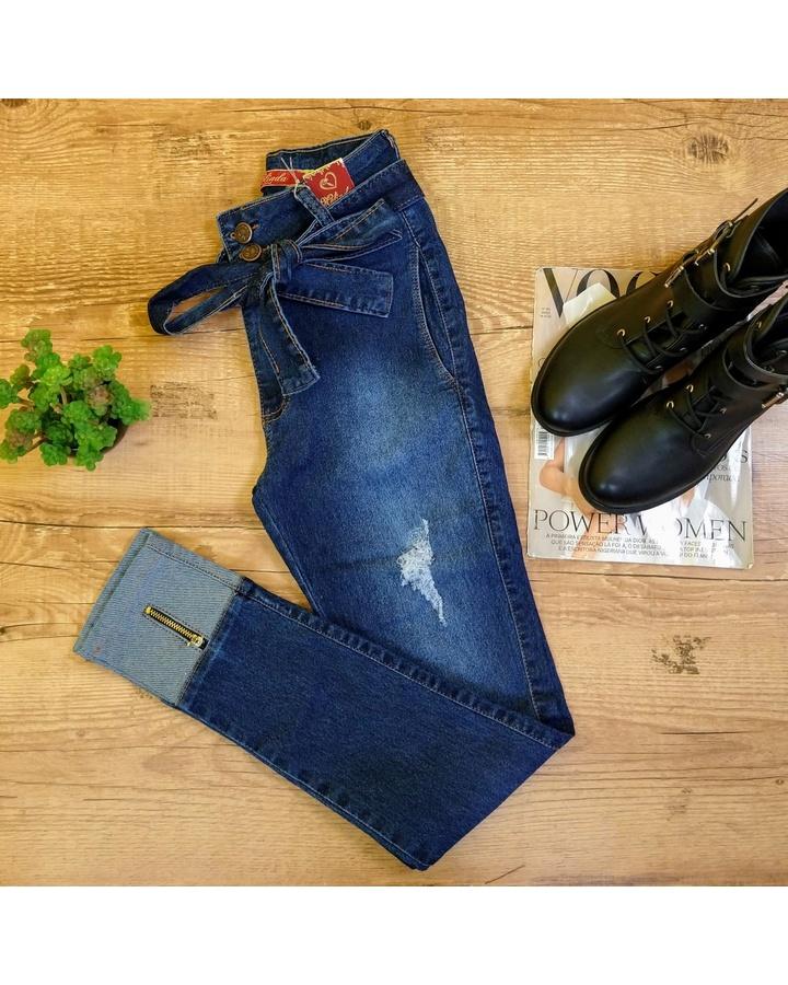 Calça Jeans Com Detalhe Na Barra |dobrada e Zíper| (melinda)