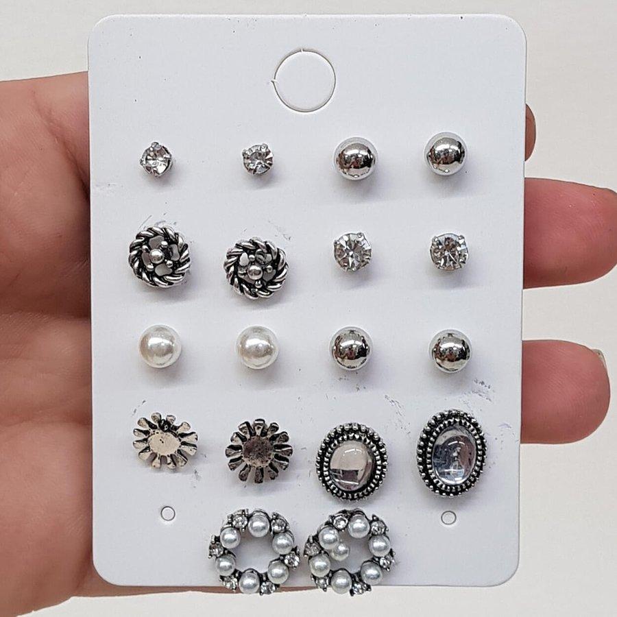 Kit De Brincos Pequenos Prata Velha Branco