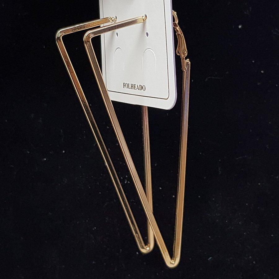 Argola Maxi Triângulo Invertido Dourado