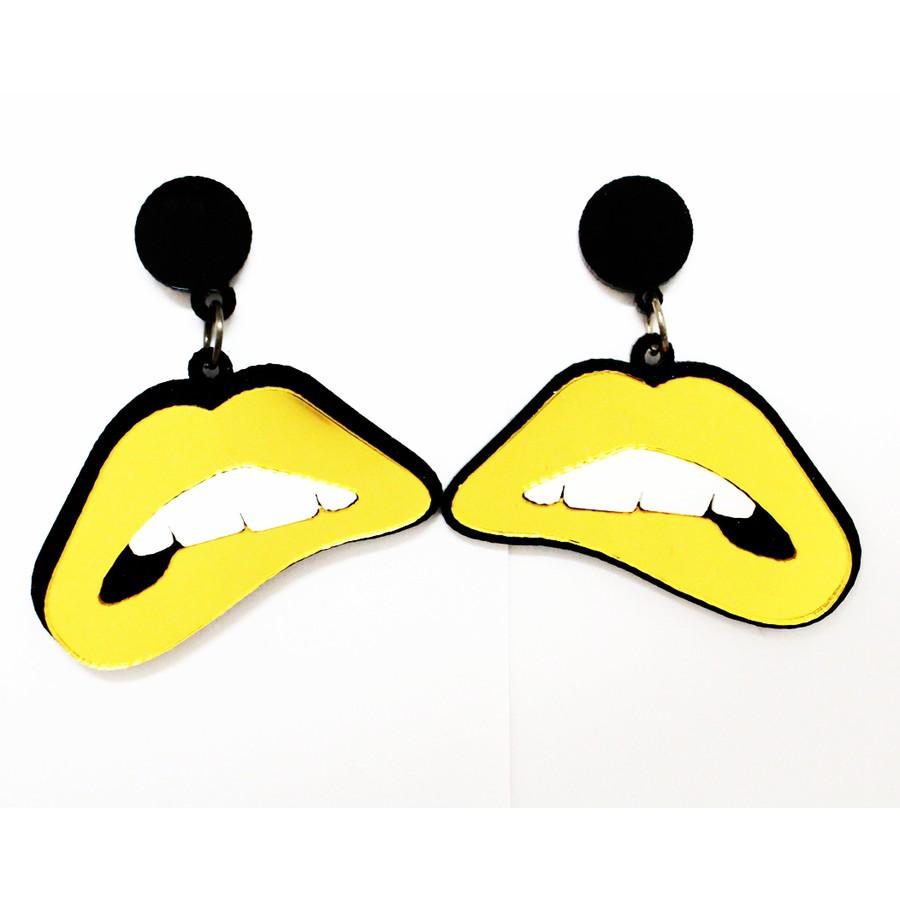 Brinco de Boca Amarelo em Acrílico *