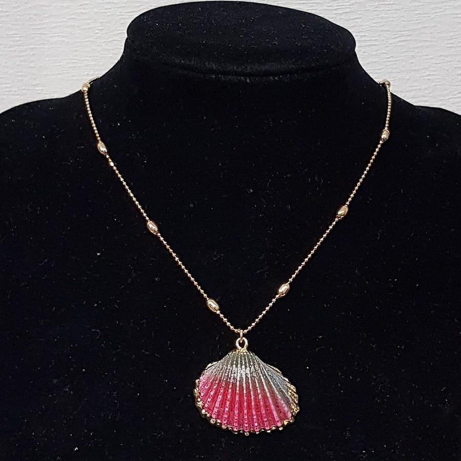Colar Folheado Concha Esmaltada Dourado Rosa e Preto