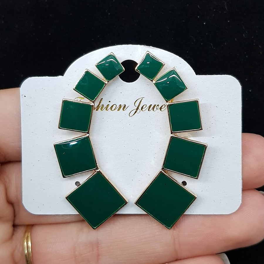 Brinco Esmaltado Quadrado Dourado Verde