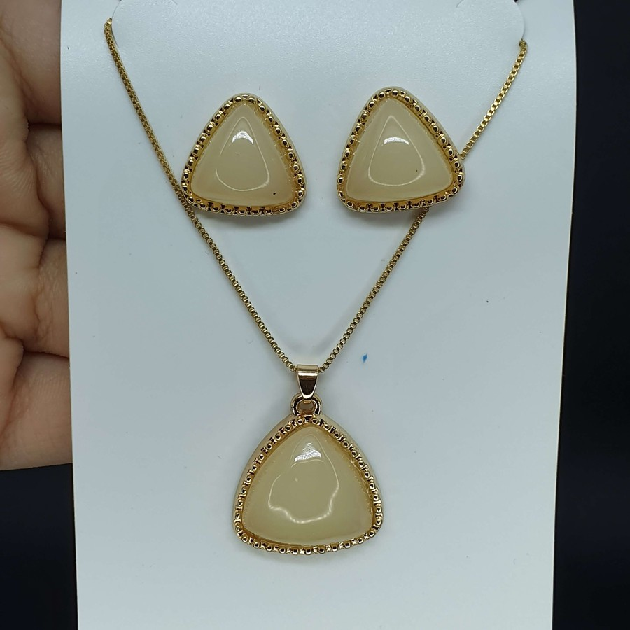 Conjunto Triângulo Dourado Mesclado Branco